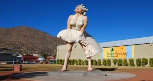 Forever Marilyn, Palm Springs